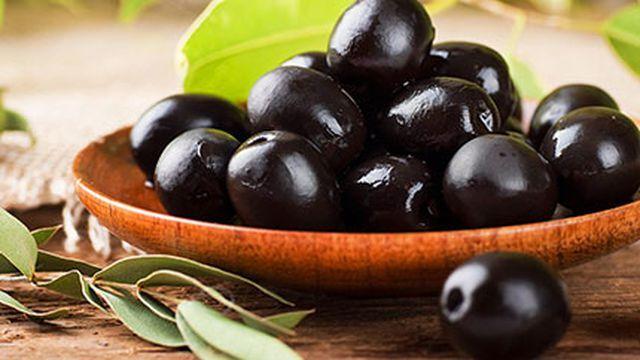 فوائد أكل الزيتون الأسود Fruit Food Diy Techniques And Supplies