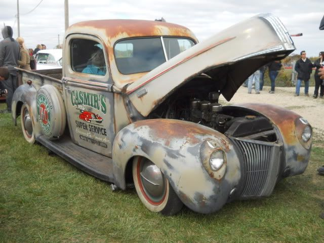 historic rusty pickup trucks | ... FENDERED 1940 - 1947 Fat Ford truck thread - Page 2 - THE H.A.M.B