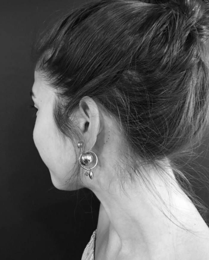 17 meilleures id es propos de tatouages derri re l 39 oreille sur pinterest tatouages d 39 oreille - Tatouage femme derriere l oreille ...