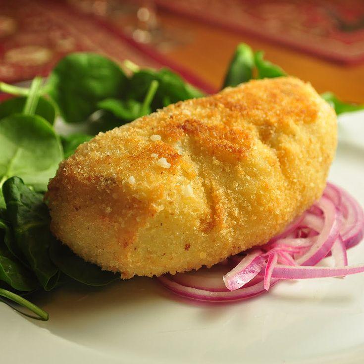 Papa Rellena Recipe. Find more Peruvian recipes at www.perualacarte.com