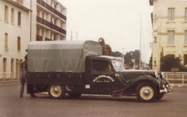 Le Danemark a construit des Tractions Fourgonnettes , On se demande pourquoi Citroën n'a jamais mis au catalogue un petit utilitaire sur base Traction.