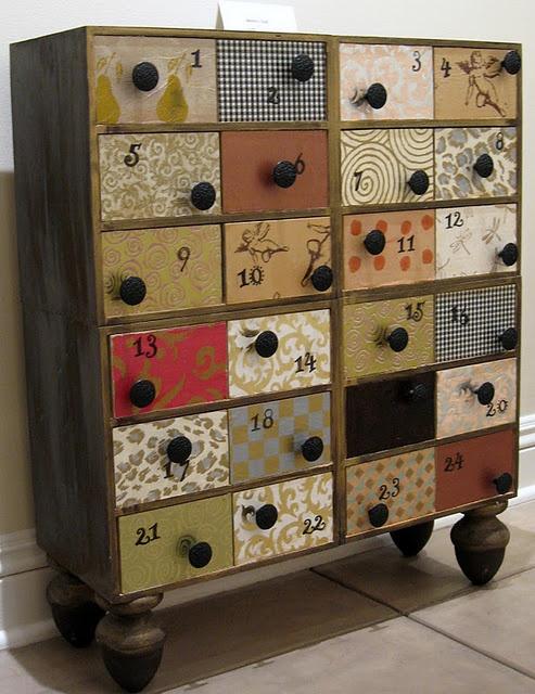 it's an #advent dresser!