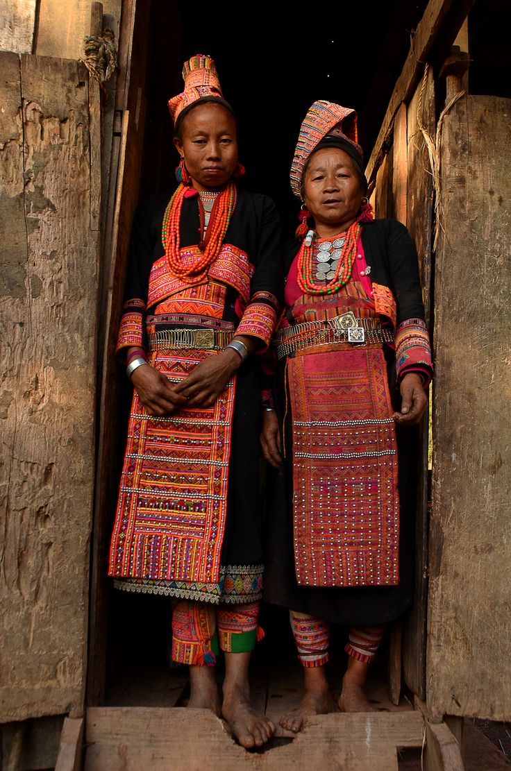 https://flic.kr/p/z424eb | Akha Loma mother and doughter in a little traditional village near Phongsali, Laos | www.italianmountains.org for info: italianmountains@gmail.com Is possible also find our photos on 500px at: 500px.com/magghebrinik on Behance at: www.behance.net/magbrinik or contact directly: pollo.vagante@gmail.com ZUM_5131_27_01_2015