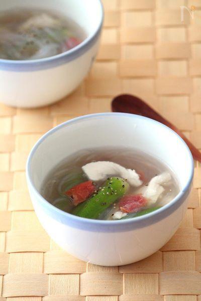 梅が効いた冷製スープだから、とてもさっぱりとしていて食欲のない日でも食べられます。もちろん温めても◎