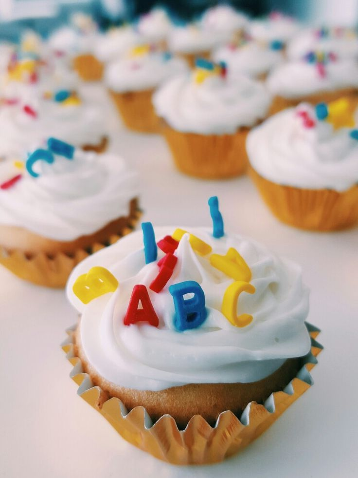 ABC mini cupcakes
