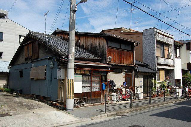 安藤氏が幼少期から40年余り過ごした生家。三軒長屋での生活と、町工場の連なる下町で過ごした時間が後の作品に大きな影響を与えた。