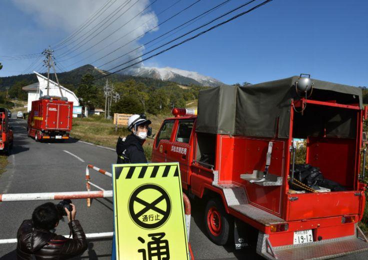 Mais de 30 pessoas sofrem parada cardíaca após erupção vulcânica no Japão | #Erupção, #MonteOntake, #Resgatados, #Salvamento, #Trilha, #Vulcao
