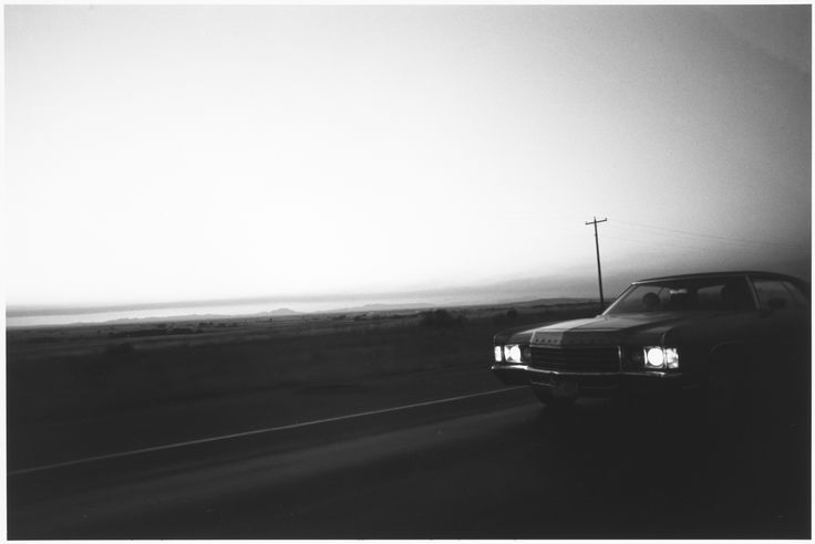 Tom Arndt, On the road, western montana, 1981 ©Tom Arndt/ Courtesy Les Douches la Galerie Paris