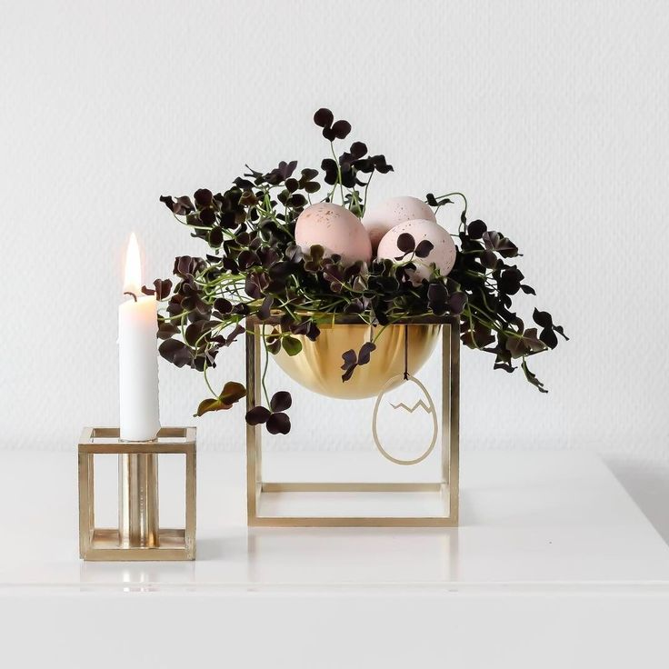 Kubus 1 candleholder and Kubus Bowl in brass. Photo credit: @trineroed