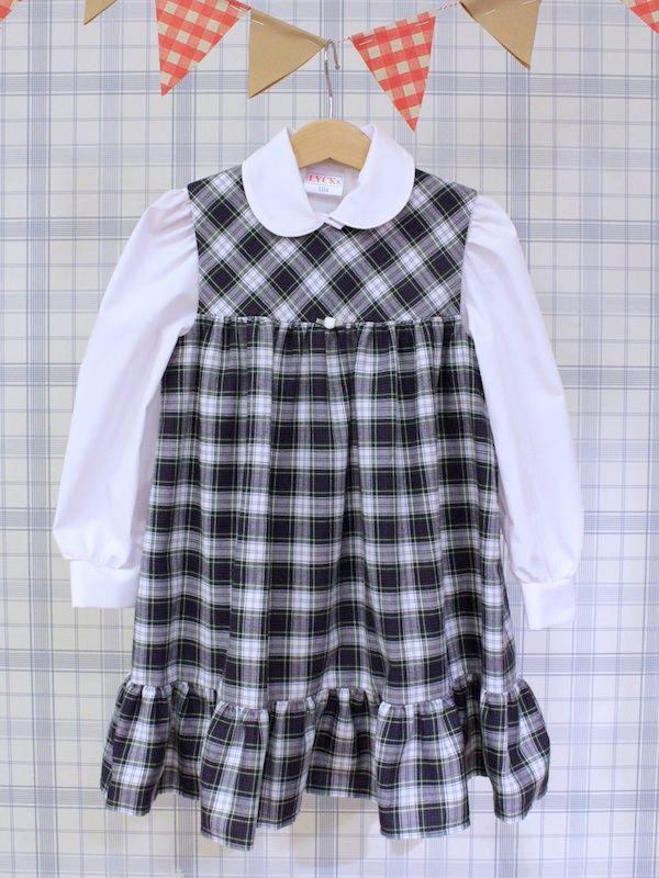 Barnklänning i modernt skotskrutigt - 100 Years