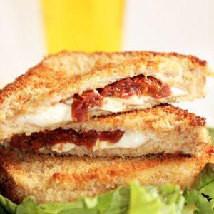 Croque-monsieur pané tomate mozzarella : 35 recettes à la mozzarella - Journal des Femmes Cuisiner
