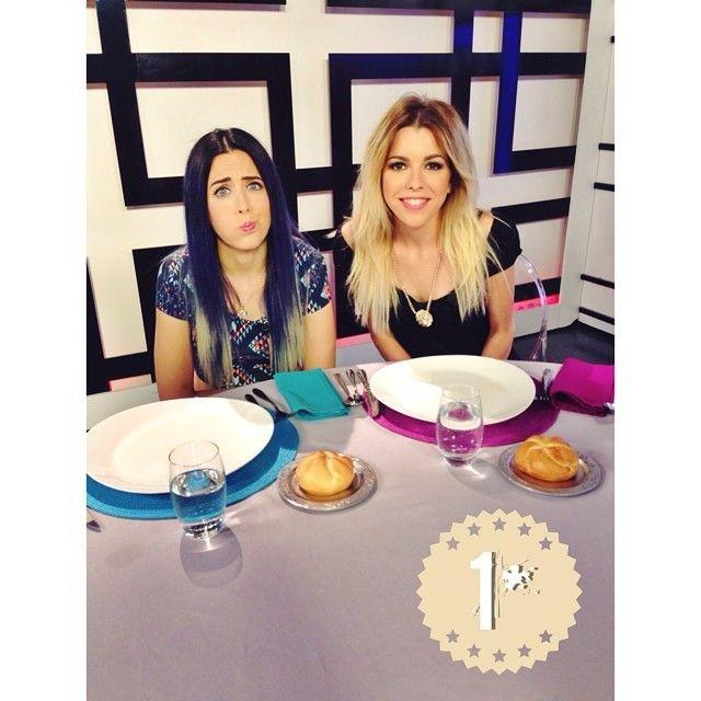 Y el 1º puesto en el concurso de decoración de mesas es para... ¡¡¡Sonia Gómez y Rocíp Cabrera!!! Jjajajajajaja ;P