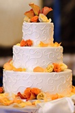 Wedding Cakes Gallery - Page 27 : Editors Pick : White/ivory : Round Or Oval : Brides