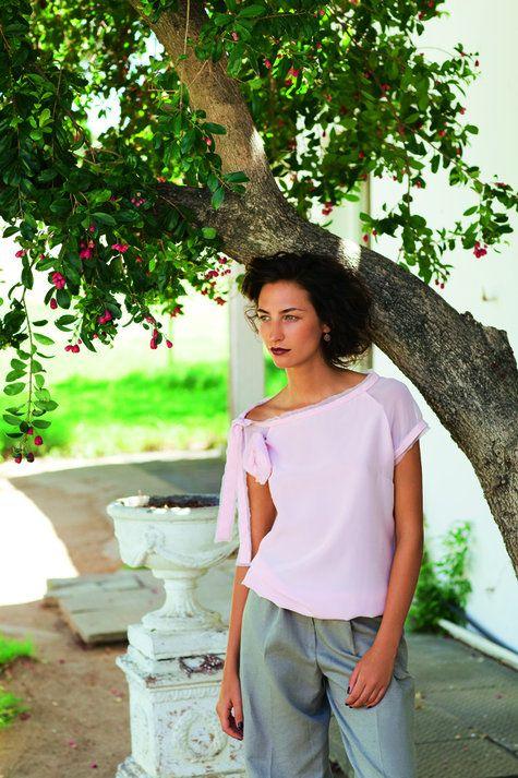 Burda Style Magazine 07/2011, Top with Rose Brooch