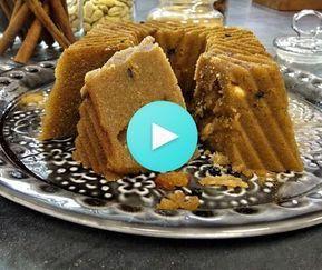 Χαλβάς σιμιγδαλένιος από την Αργυρώ Μπαρμπαρίγου | Κλασικό, εύκολο, γρήγορο και νηστίσιμο γλυκό. Καβουρντίστε αρκετά το σιμιγδάλι να μοσχομυρίσει το σπίτι