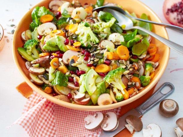 Unser beliebtes Rezept für Gemüse-Salat (Everyday-Superfood-Salat) und mehr als 55.000 weitere kostenlose Rezepte auf LECKER.de.
