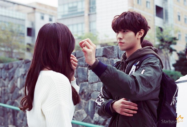 Yoon Sohee with co-star Ahn Hyoseop http://naver.me/5VzCRRl9