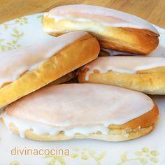 Estas Carmelas de crema son típicas de Jerez de la Frontera (Cádiz) y, con distintos nombres, se encuentran también por todas Andalucía. La receta es fácil.