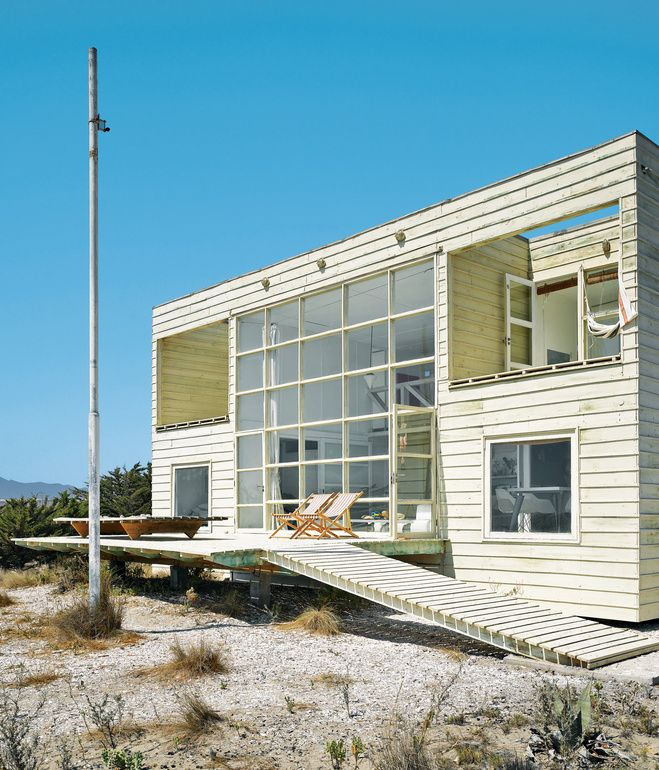Mathias klotz s first project a deceptively simple - Decorating a beach house on a shoestring ...