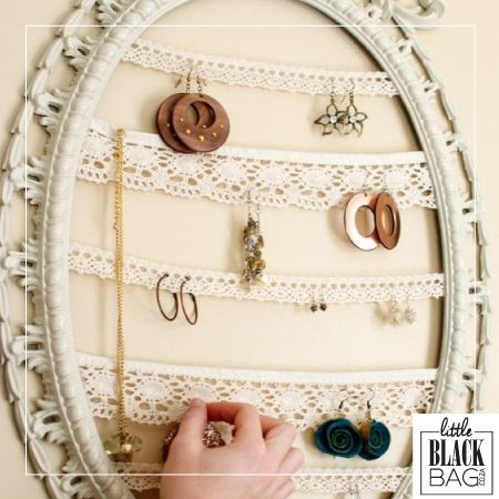How darling is this jewellery organiser? Maybe an upcoming LBB item .. who knows wink emoticon #lbbcoza #diy