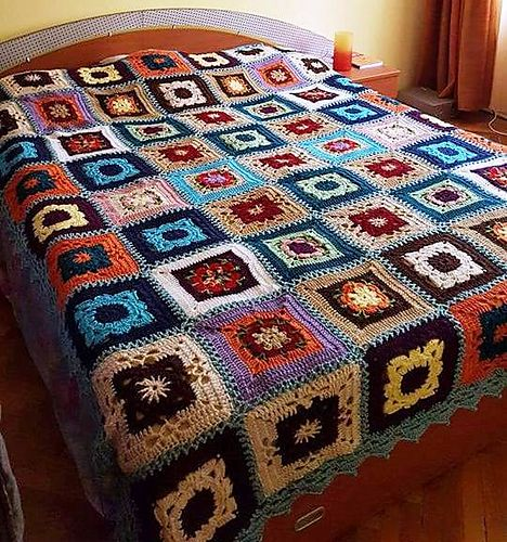 Ravelry: TheWoolTeller's Granny squares - King size bed blanket