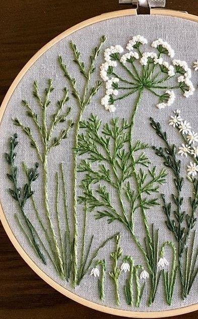 Gestickte wilde Blumen und Gräser – Sticken Kreuzstich
