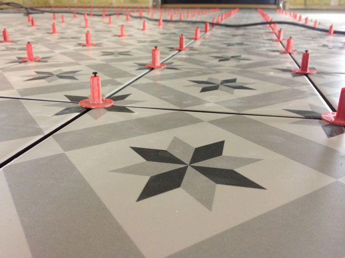 Tile Tile Leveling System