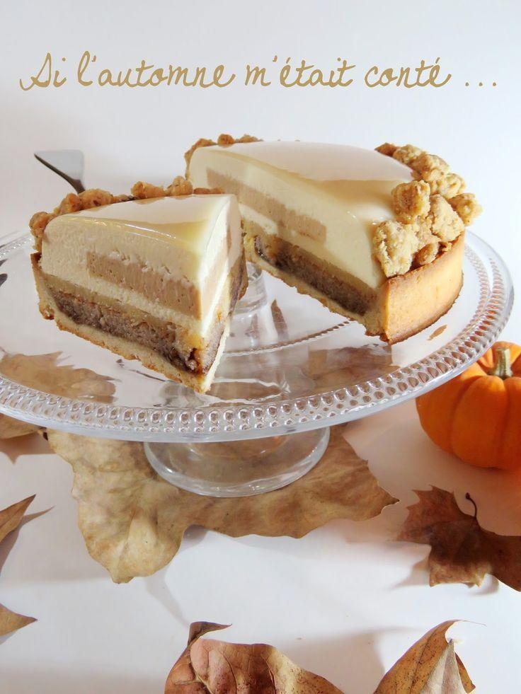 Si l'automne m'était conté...(pâte sablée noisettes, crème d'amandes/noisettes/pécan, compotée de coings, crémeux pruneaux, mousse ivoire et coings, montage, glaçace ivoire, crumble amandes)