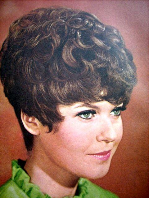 1960 Vidal Sassoon Mode Hair Cut Style Vidal Sassoon S Pinterest 1960s Hair Vintage Hair