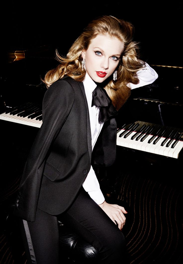 Taylor Swift - MARIO TESTINO PHOTOGRAPHY