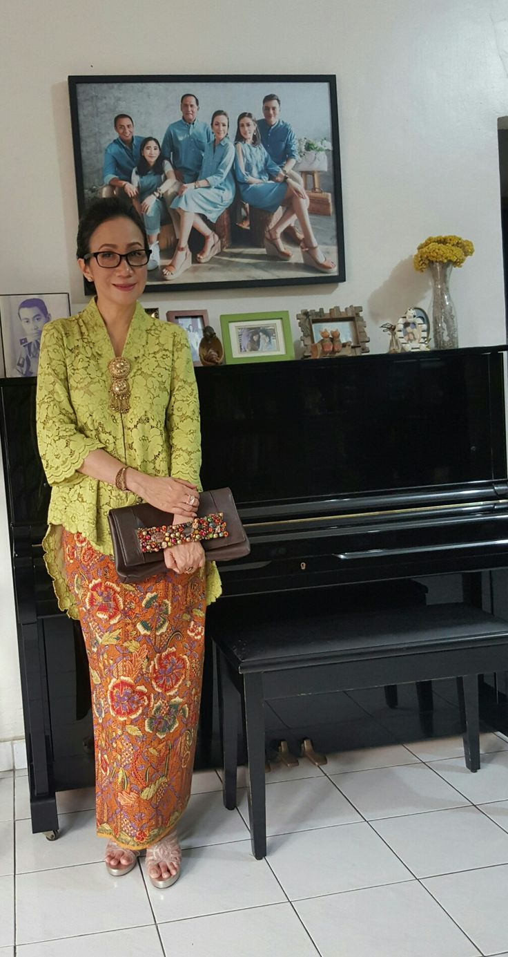 17 Best Images About Kebaya On Pinterest Javanese Jakarta And