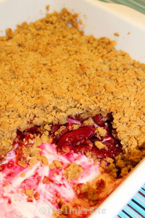 I look forward to the summer plum season every year because it means I can make this delicious plum crumble! #recipe #desserts