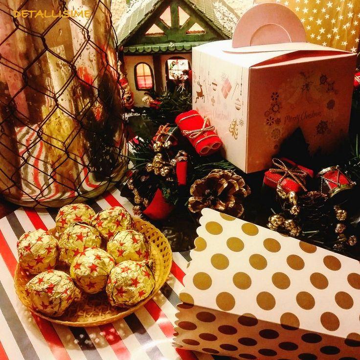 """Cajas rosas de Navidad """"Merry Christmas"""" rellenas de bombones Pedidos y catálogo: detallisime@yahoo.es"""