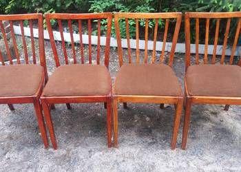 cztery krzesła