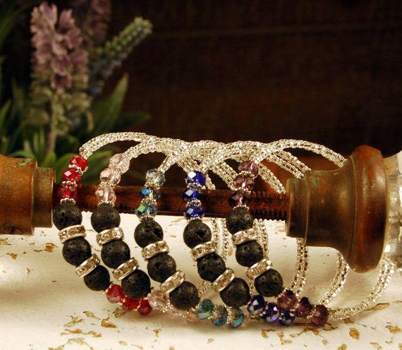 SALE Glass Bead & Silver Memory Wire por SilverChaseDesigns