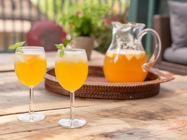 Welcome cool, crisp weather with this festive apple sangria recipe from HGTV.com that you can make in under 10 minutes.