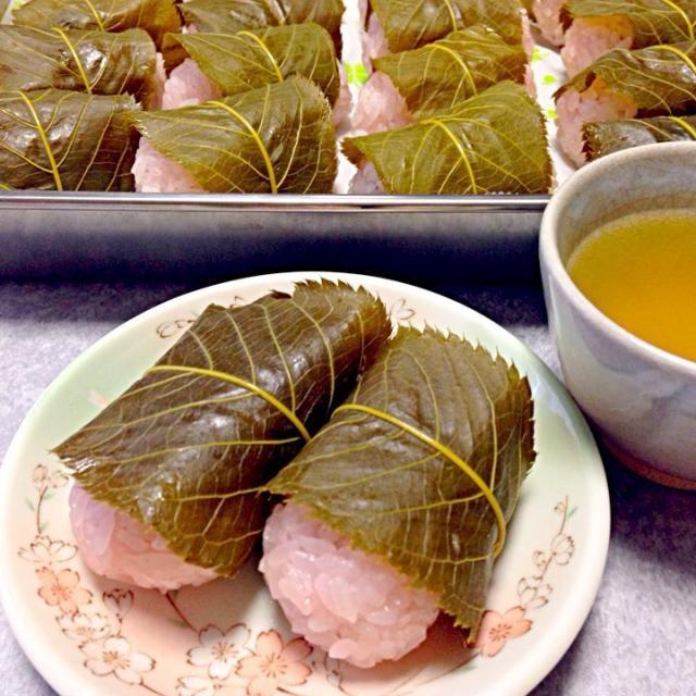 関西と関東では 形がちがうそうですね。 私の住んでる山口県は この形です。 - 17件のもぐもぐ - 桜餅 by Orie Ueki