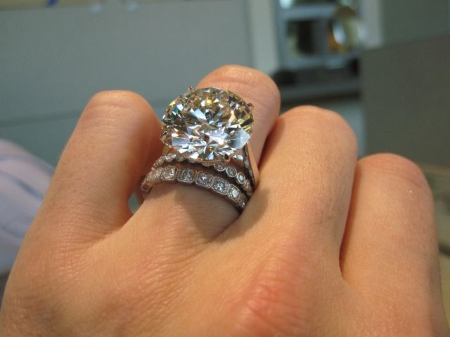 13 carats holy wow! Finger might break off, it'd be worth it! Lol