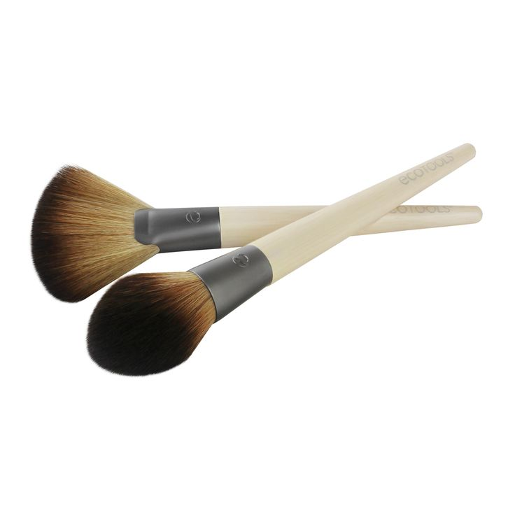 """#1654 The DEFINE & HIGHLIGHT DUO is designed with 2 brushes to naturally sculpt and illuminate your favorite facial features. SCULPT: Use the tapered bristles of the Define brush to dust contour shade onto areas of the face you want to define or minimize such as hollows of cheekbones, jawline, or forehead. Apply by tracing the number """"3"""" on both sides of your face. Start at the top of your forehead; sweep down and across the hollow of your cheeks, then dust across jawline. HIGHLIGHT: Wit..."""