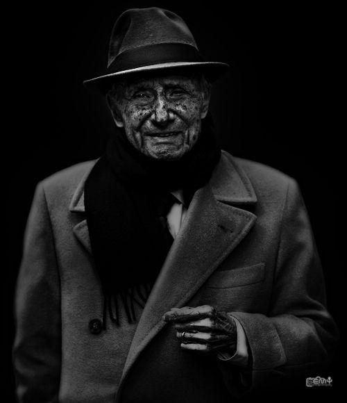 portrait GEMY : DESIGNER & PHOTOGRAPHER