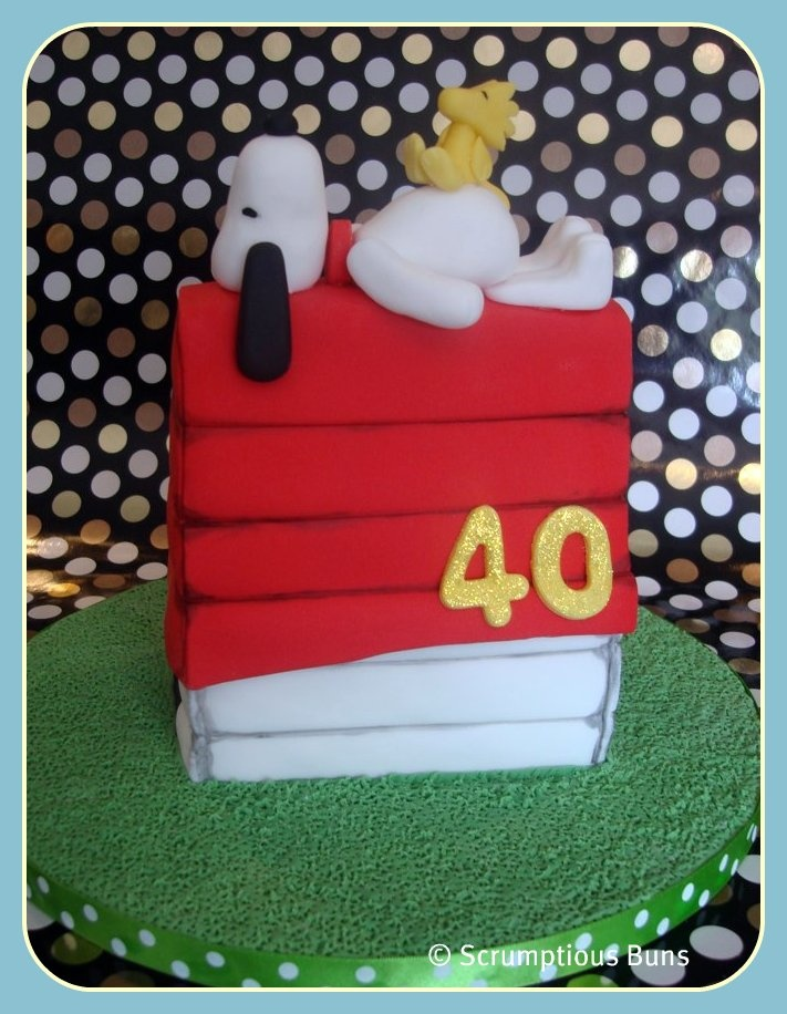 11 best SNOOPY images on Pinterest Snoopy cake Cakes and