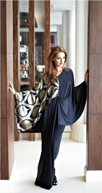 Beautifully tailored abaya with a pop of exotic fabric