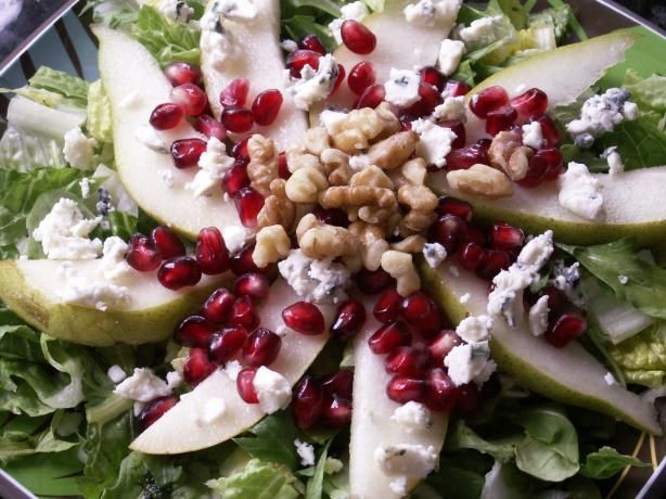 Pomegranate Pear and Arugula Salad ~ looking forward to trying this ...