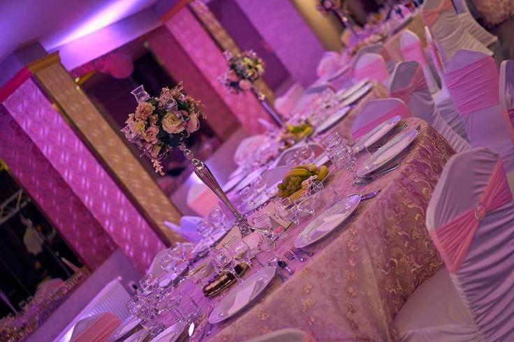 Decor pentru nunta in salon Imperial #nunta #dantela  #luminiambientale #sfeșnice_cu_flori #salon_Imperial