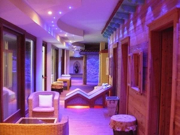 17 best ideas about garda hotel on pinterest hotels in. Black Bedroom Furniture Sets. Home Design Ideas