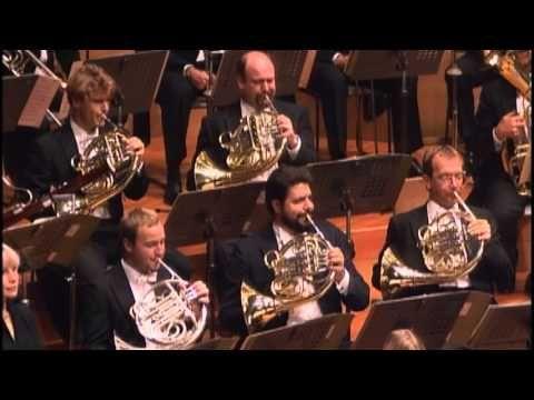 ▶ Bruckner Symphony No 7 Celibidache Münchner Philharmoniker Live Tokyo 18 Oct 1990 - YouTube