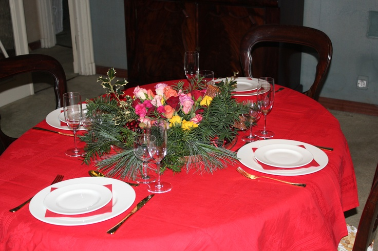 """Easy"" Christmas: red Flanders, white Wedgwood and elegant Baccarat"