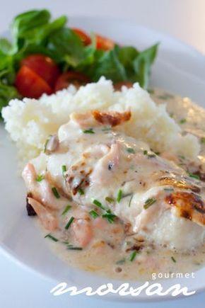 Här behöver man inte välja mellan torsk eller lax. Kör i båda i denna formen och så i med lite gräslök och lite annat gott…såååå vips har ni en enkel och god fiskrätt som smakar ljuvligt! Det…