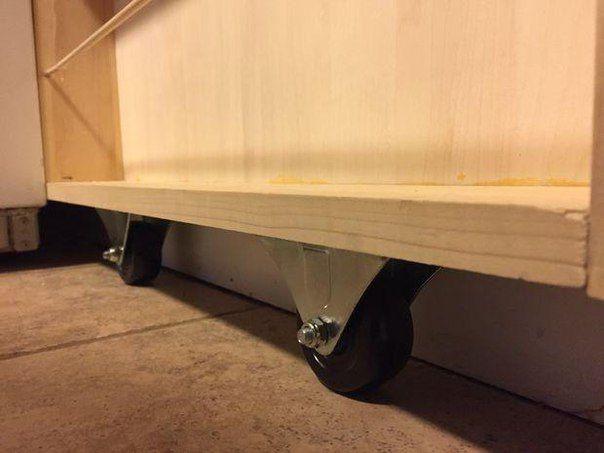 Buzdolaplarının yanlarında kalan boşlukları çok kullanışlı bir yöntemle değerlendirmeye ne dersiniz? Bu galerimizde kolay kolay akla gelmeyecek bir fikri sizler ile paylaşacağız. Genelde, buzdolapl…