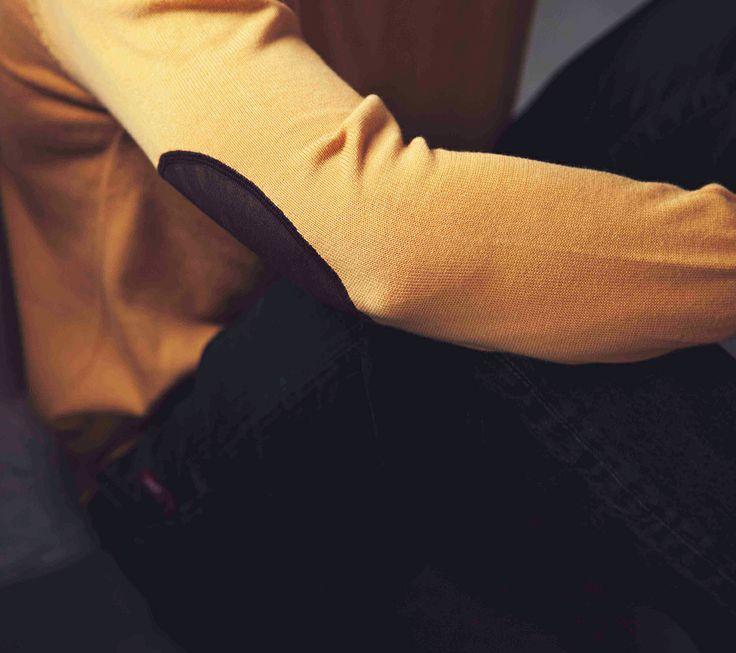 Long sleeve t shirt knit Daniel IDR 419.500 Pants denim Penney IDR 719.500